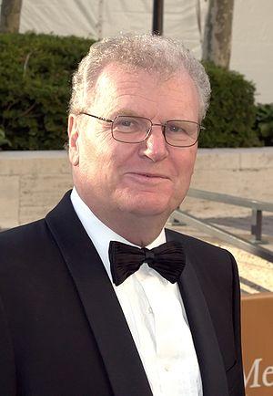 English: Sir Howard Stringer at the 2009 premi...