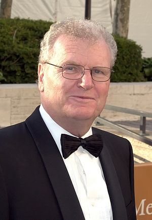 Howard Stringer - Stringer at opening night of the 2009 Metropolitan Opera
