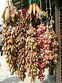 Skopje, botičky na trhu.jpg