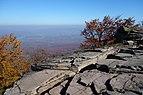 Sninský kameň v jeseni 003.jpg
