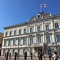 Sotilaita Korkeimman oikeuden talon edessä Luxemburgin suurherttuan vierailun aikaan.jpg