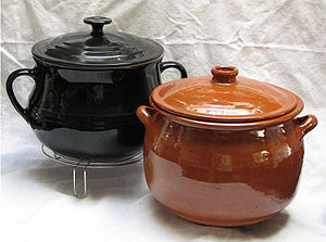 Olla - A French soupière/beanpot (on a trivet) and a Spanish olla