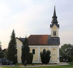 Spodnje Pirniče - Holy Cross Church