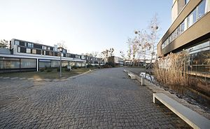 Studentendorf Schlachtensee - Image: St DS Dorfpl 21 Mila Hacke kl