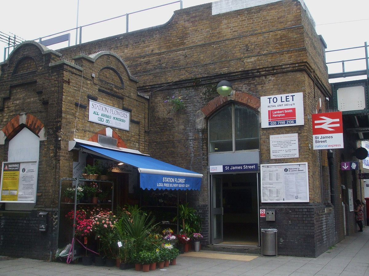 St. James Street railway station - Wikipedia