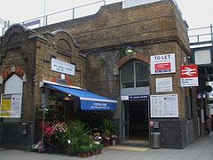 St James Street stn entrance.JPG