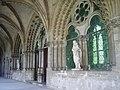 Statues du Cloître - panoramio.jpg