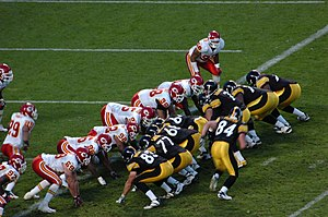 Goal line (gridiron football) - The Kansas City Chiefs (red) and the Pittsburgh Steelers (black) line up for a play on the goal line.