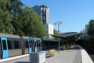 Blackeberg metro station - Image: Stockholm subway blackeberg 20060913 001