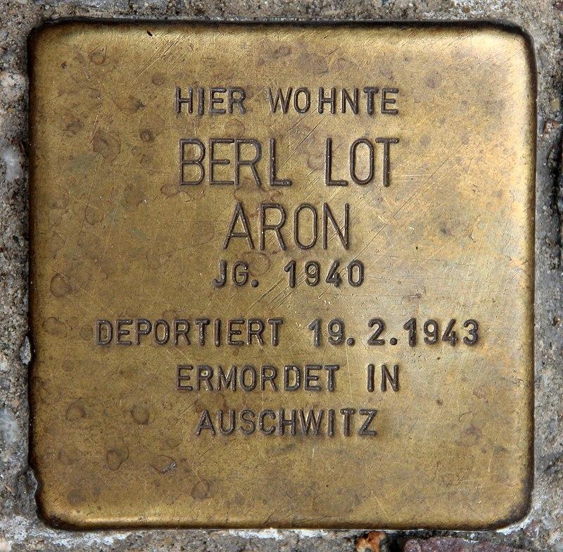 Stolperstein Choriner Str 53 (Prenz) Berl Lot Aron.jpg