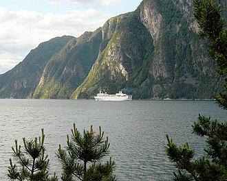 Storfjorden (Sunnmøre) - Image: Storfjorden v Stranda HH