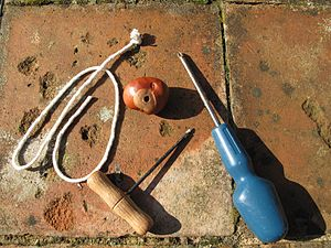 Conkers - Stringing a conker