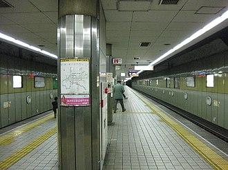 Ebisuchō Station (Osaka) - Sakaisuji Line platform