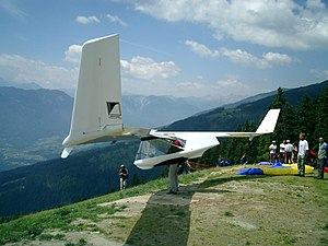 Swift'Lite glider foot launched glider prior to take-off.jpg