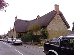 Thatched Cottage, Westbury - geograph.org.uk - 1013257.jpg