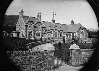 The school, Tal-y-bont (Caerhun, Caern)