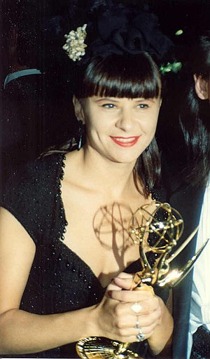 The Tracey Ullman Show - Tracey Ullman at the 1989 Emmy Awards
