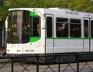 Nantes tramway - TFS tramcar of the type that reopened the Nantes tram system