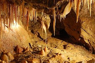 Treak Cliff Cavern - Image: Treak Cliff Cavern interior Andy Mabbett 38