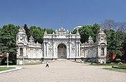 Treasury Gate, Dolmabahçe Palace, Istanbul, Turkey 001.jpg