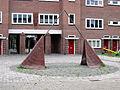 Triade waterspel (1983) Gheert van Calcarplein den Bosch.jpg