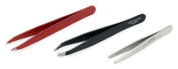 English: A variety of tweezers, including poin...
