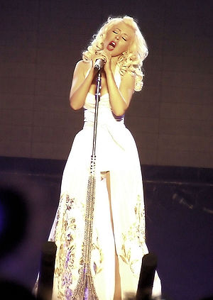 "English: Christina Aguilera sings ""Unders..."