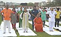 Vasundhara Raje Scindia performing Yoga along with other participants, on the occasion of the 2nd International Day of Yoga – 2016, in Jaipur (1).jpg