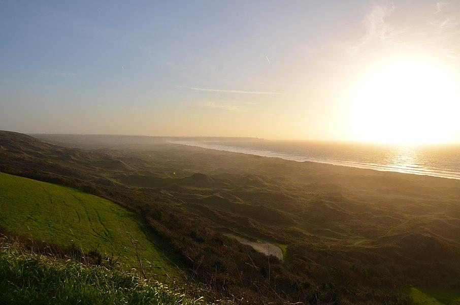 Vue sur le massif dunaire de Biville depuis l'aérodrome de Vauville.