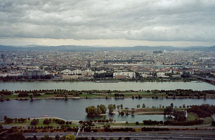 The Danube in Vienna Vena 06.jpg