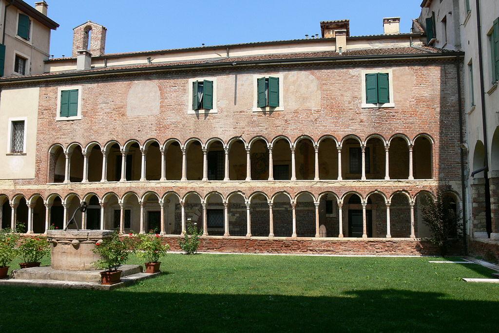 Verona Dom - Kreuzgang 2.jpg
