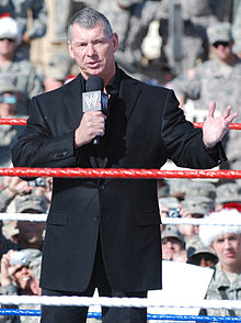 Mr. McMahon al Tribute to the Troops.