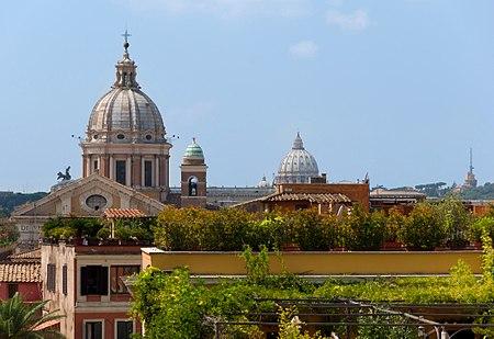 Vue des toits depuis la Sainte-Trinité-des-Monts, Rome, Italy.jpg