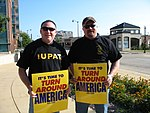 WI Union activists protest outside McCain Town Hall in Racine, July 31, 2008 (2722171727).jpg