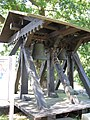 Wasdow Kirchhof Glockenstuhl 2009-08-20 126.jpg