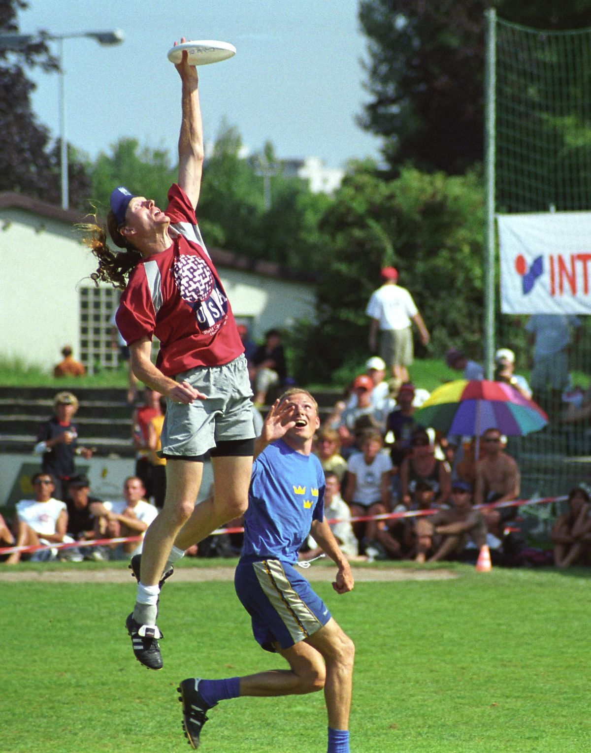 The Ultimate Teenage Summer Bucket List To Keep Everyone: Flying Disc Games