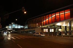 Wiener Stadthalle - Image: Wiener Stadthalle 2013 Halle F Stadthallenbad a