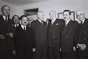 Knox Helm - L-R: W.G. Hall, Moshe Rosetti, Yosef Sprinzak, Sir Knox Helm, Leslie Hore-Belisha and Moshe Sharett in the Israeli Knesset, 1951