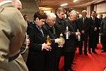 Zapalenie zniczy przed grobami Ofiar Tragedii Smoleńskiej w Świątyni Opatrzności Bożej w Warszawie.jpg