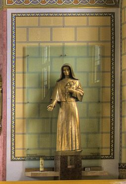Zdenka Schelingová (Statue in Krivá, Parish Church).jpg