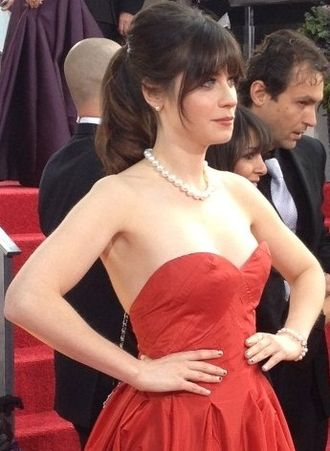 Zooey Deschanel - Deschanel at the 70th Golden Globe Awards