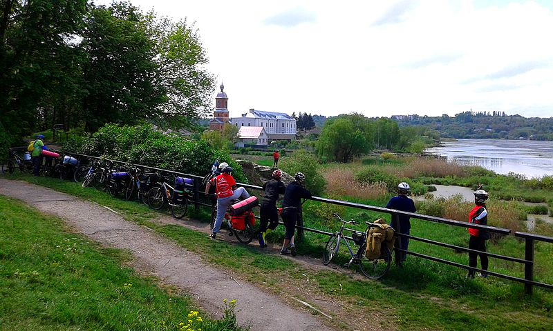 File:(02) TOURISTS ON BICYCLE TOUR TO OLD BAR FORTRESS TOWN OF BAR REGION OF VINNYTSIA STATE OF UKRAINE PHOTOGRAPH BY VIKTOR O LEDENYOV 20160507.jpg