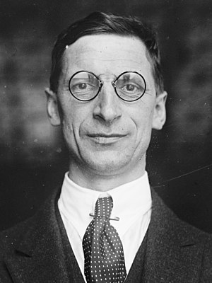 Government of the 1st Dáil - Image: Éamon de Valera 03