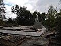 Братська могила у с.Романівка, вигляд з північного заходу.JPG