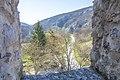 Манастир Манасија, поглед на околину са зидина.jpg