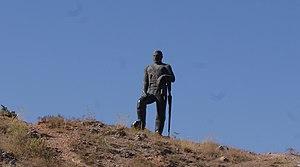 Kevork Chavush - Image: Գևորգ Չաուշի արձանը Խոր Վիրապում3