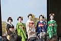 知恩院 舞妓撮影 Chion-in Maiko (11153055496).jpg