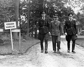 "Friedrich Christiansen - Image: 07 20 1948 04997 ""Verboden wandeling"" (34284404732)"