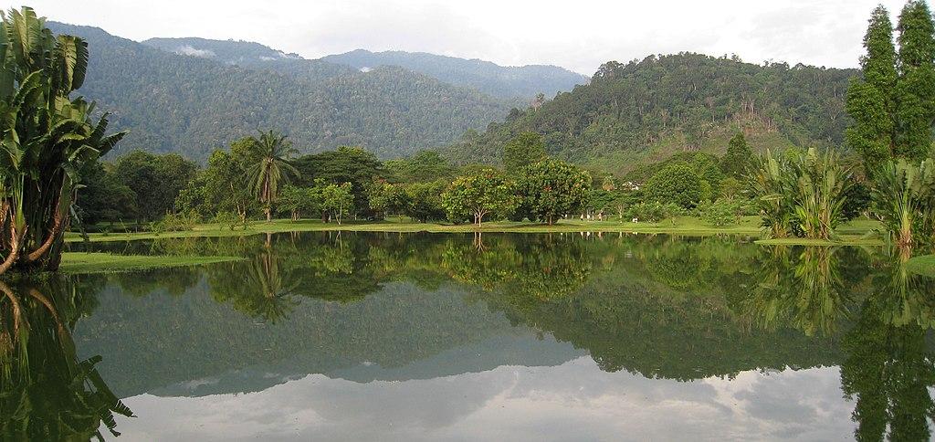 09 Still Lake (9064992766)