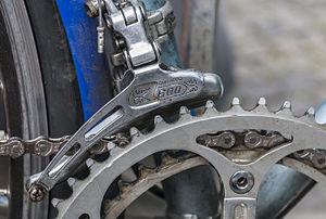 Derailleur gears - Shimano 600 front derailleur (1980)